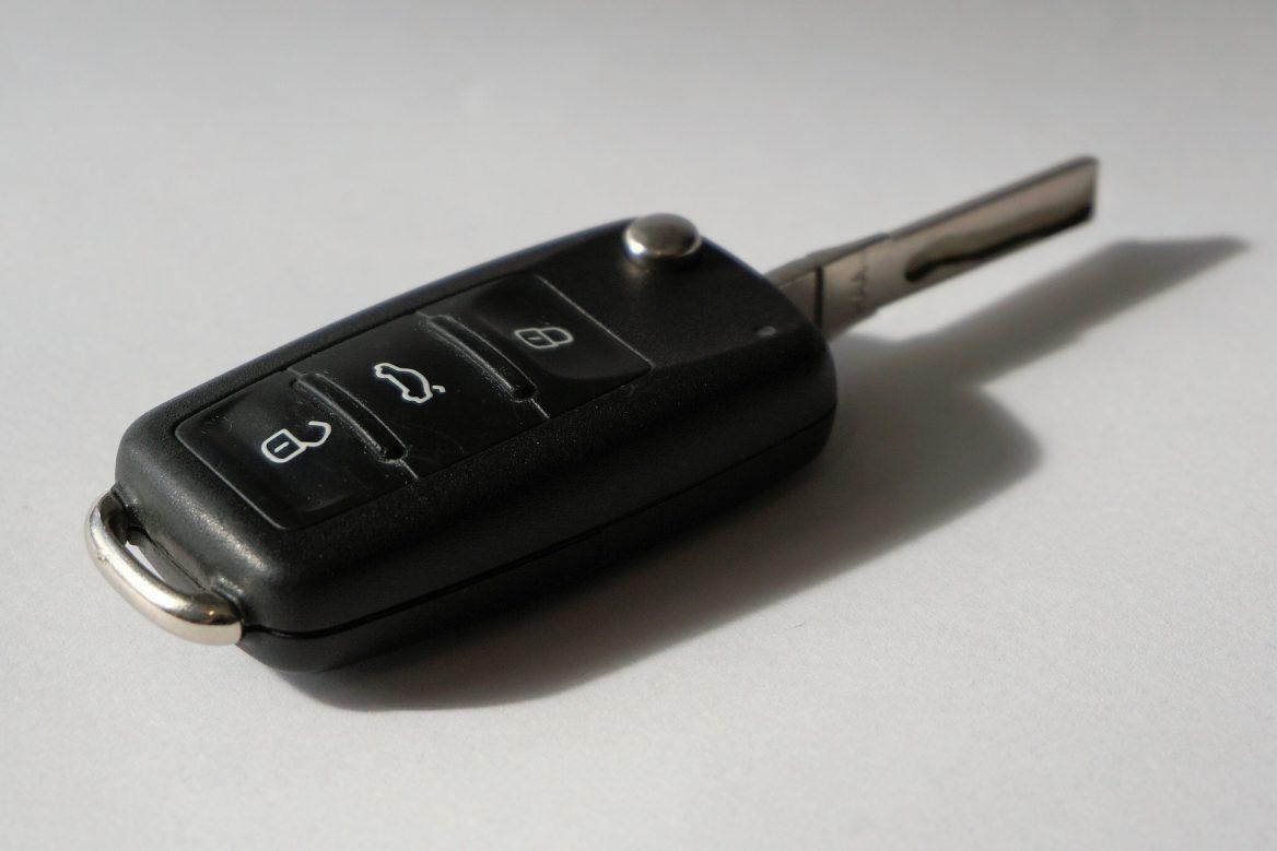 Co warto wiedzieć przed skorzystaniem z usług wypożyczalni samochodowej?